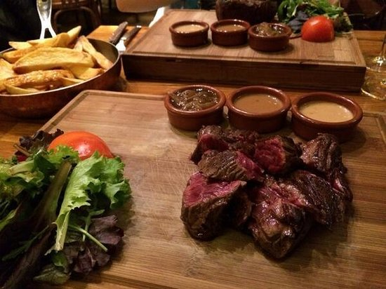 Marguerite : Rare Onglet and 3 sauces