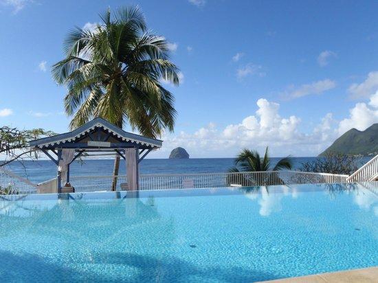 Diamant Beach: Vue de la piscine