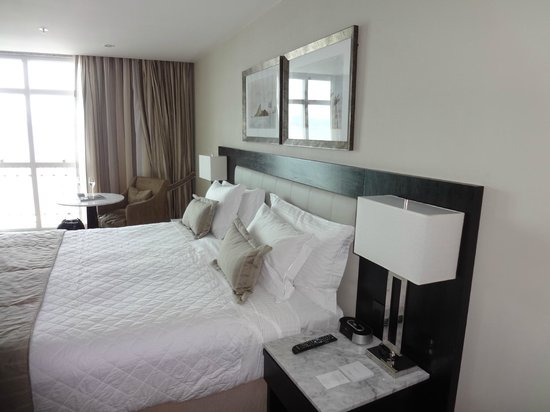 Miramar Hotel by Windsor: Comfy Bed