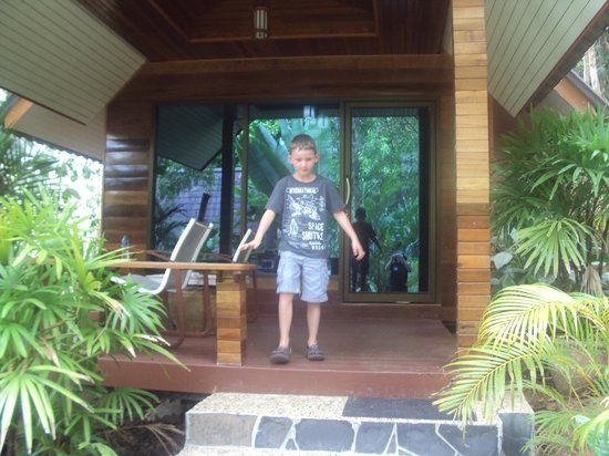 Khao Sok Las Orquideas Resort : Daniel outside the room