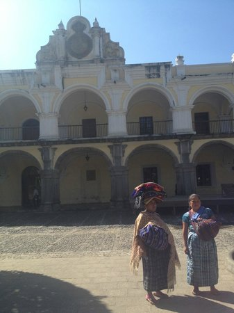 Antigua Tours, Travel & Hotels by Elizabeth Bell - Day Tours: The Historic Palace