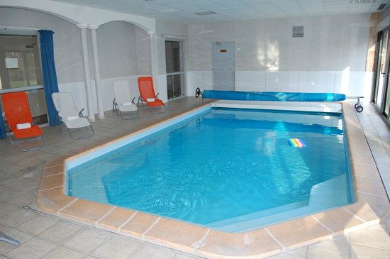 Logis Le Tulipier : piscine