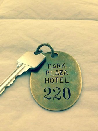 Park Plaza Hotel Winter Park : Rustic Keys and Tag