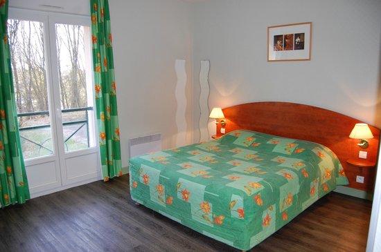 Logis Le Tulipier : chambre