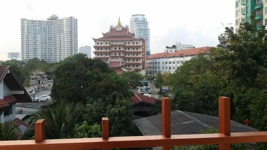 iCheck Inn Residences Sathorn: Nice temple view from the hall