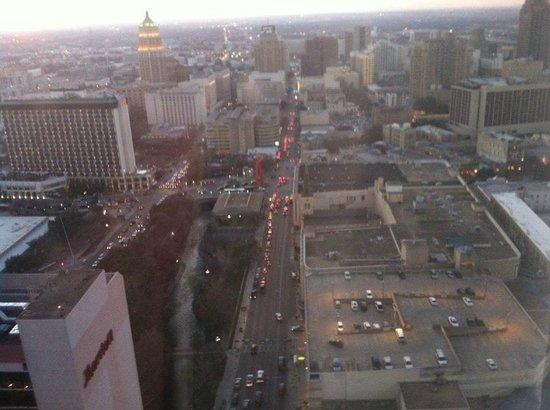San Antonio Marriott Rivercenter: Room 3810 View