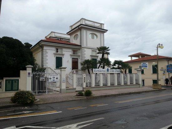 Residence Villa Piani: Da Corso Italia