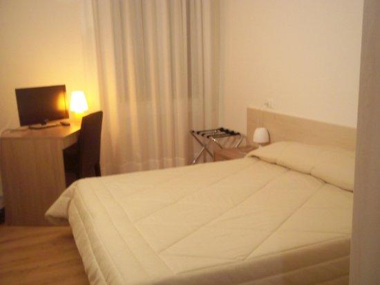 Hotel Gronda Lagunare: camera matrimoniale