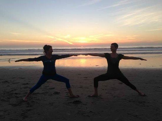 Moonlight Beach: sunset yoga