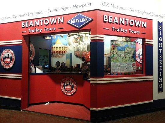 Hostelling International - Boston: The Trolley Tour