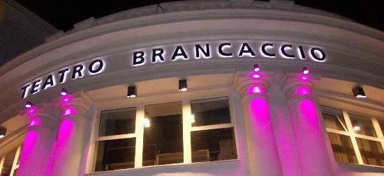 Teatro Brancaccio : INGRESSO