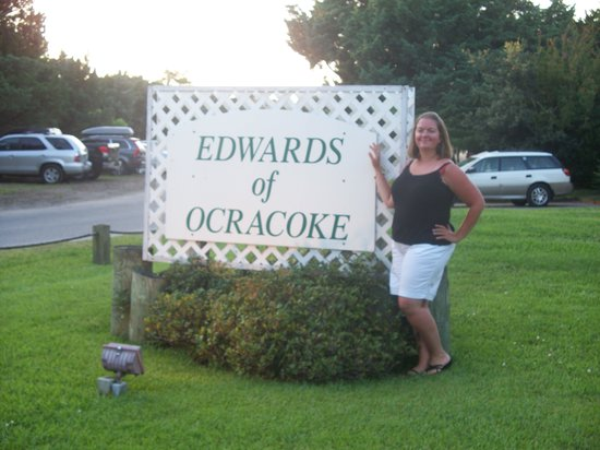 Edwards of Ocracoke: Welcome to Edwards!