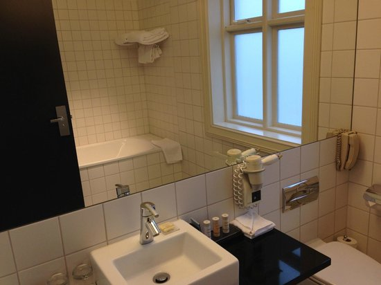 Radisson Blu 1919 Hotel, Reykjavik : Bathroom
