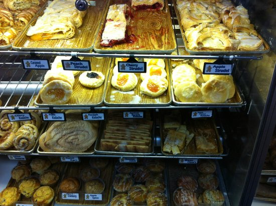 Naegelin's Bakery: Yummy Pasteries!