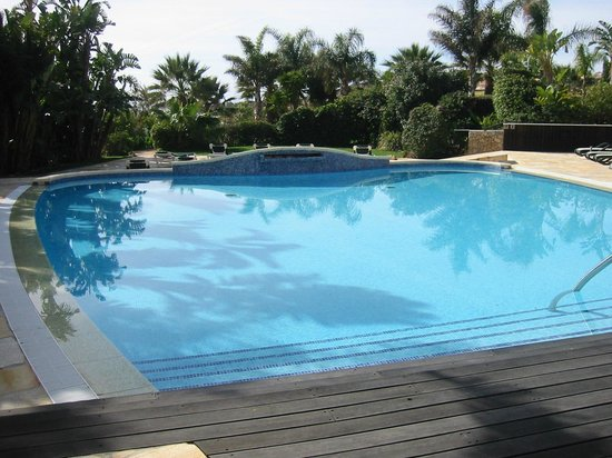 ApartHotel Vila Luz: pool
