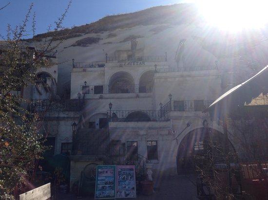 Lalezar Cave Hotel: Отель на рассвете