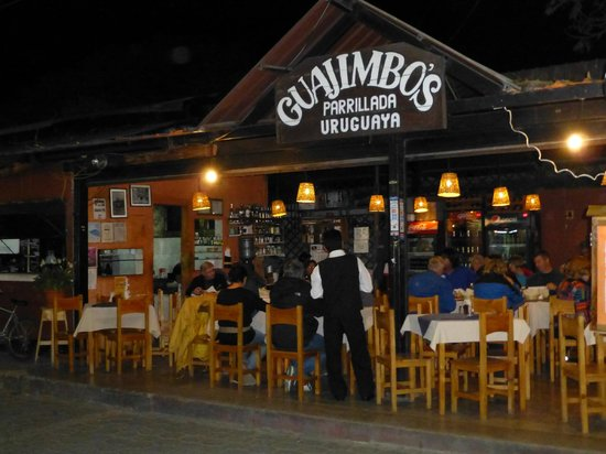Guajimbo's: Right on Calle Santander with a view of the action