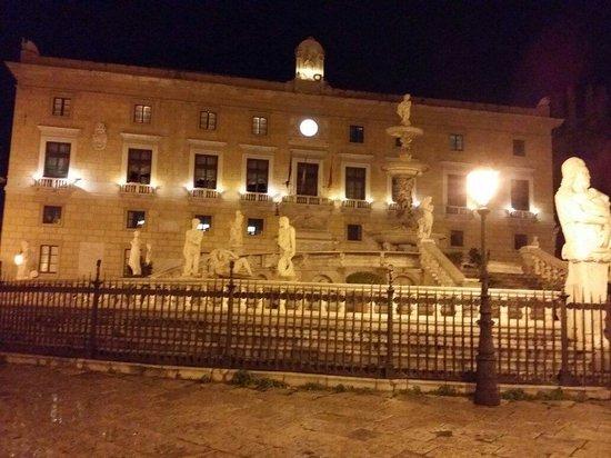 Fontana della Vergogna (Fontana Pretoria): Palermo