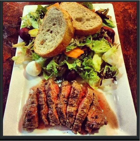 The Wine Bar At Vintner Valley: Insalata de Casa with marinated flat iron steak
