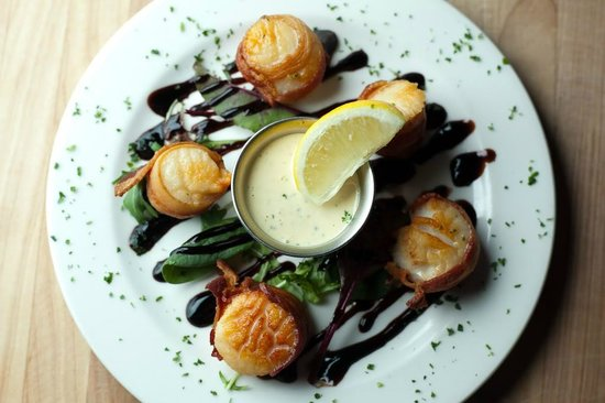 Windjammer Restaurant : Sea Scallops wrapped in Bacon