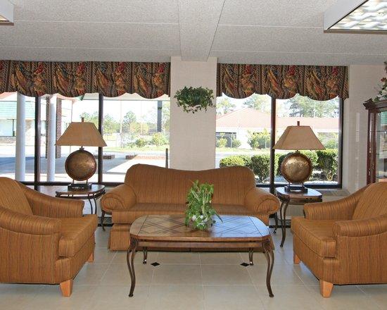 Quality Inn & Suites: GALobby