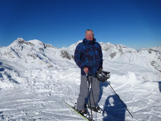 Das Central - Alpine . Luxury . Life: Standing at the top of Schwarzkogel.