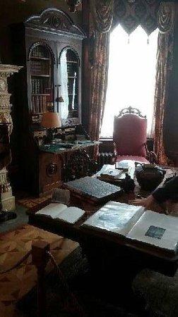 Conrad-Caldwell House Museum (Conrad's Castle): Inside the house