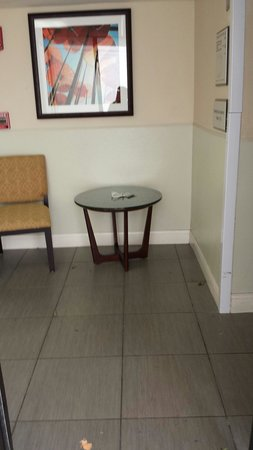 Sheraton Orlando Lake Buena Vista Resort: Elevator lobby