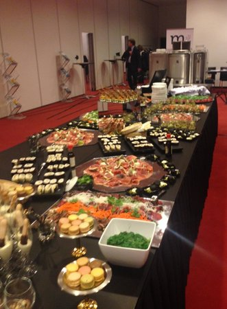 Park Plaza Amsterdam Airport: Eastern fusion buffet