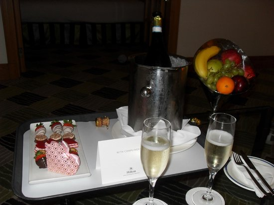 Hilton Dubai Jumeirah : Treats the hotel staff brought us