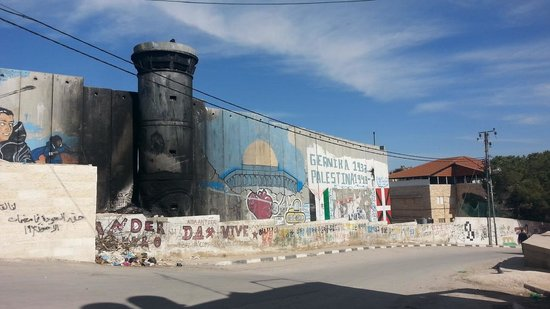 Green Olive Tours : Separation wall, Aida Refugee Camp, Palestine