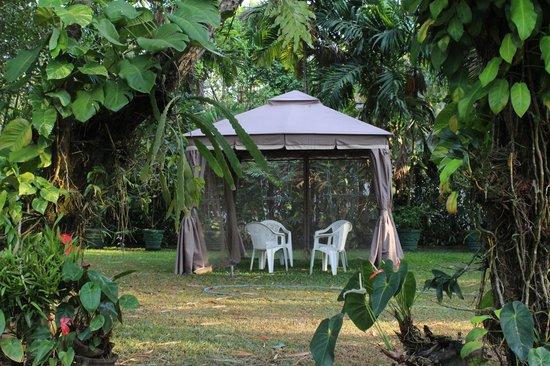 Captivating Villa Shade: Summer Hut At The Garden