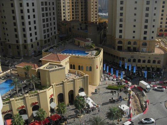Hilton Dubai Jumeirah : View from our balcony