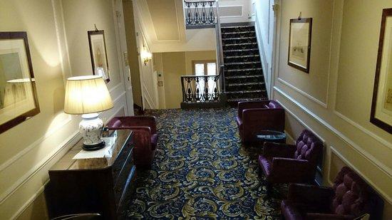 Bernini Palace Hotel: Hallway