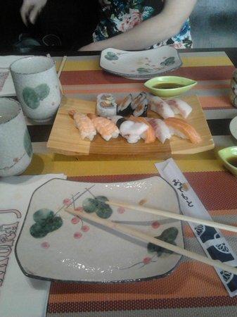 Sakura: sushi misto