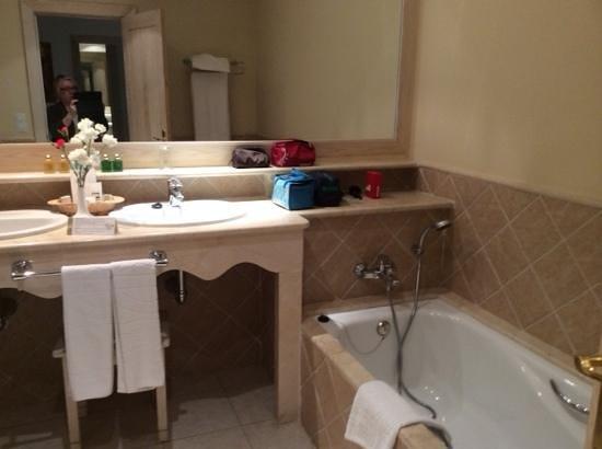 Gran Castillo Tagoro Family & Fun: luxury bathroom