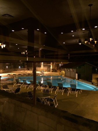 Y O Ranch Hotel & Conference Center : Pool with swim up bar