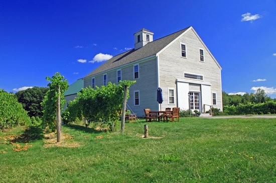 Jewell Towne Vineyards Vineyard, Winery Complimentary Tours and Tastings
