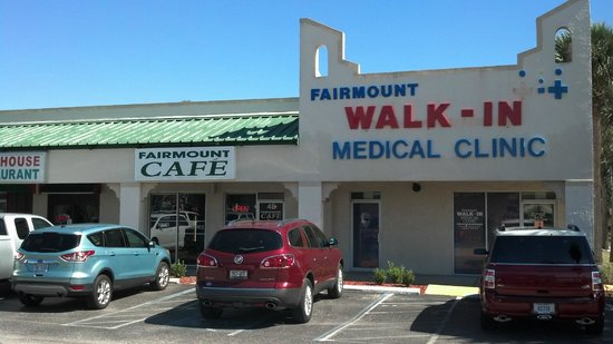 Fairmount Cafe: outside