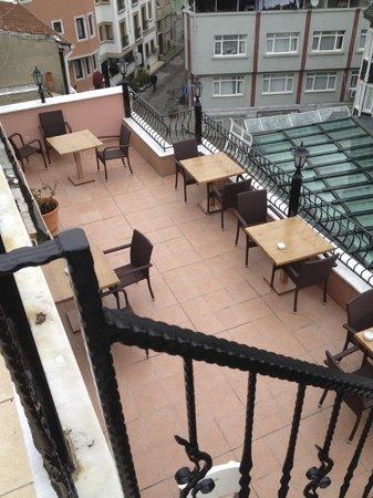 Agora Guesthouse: Terrace