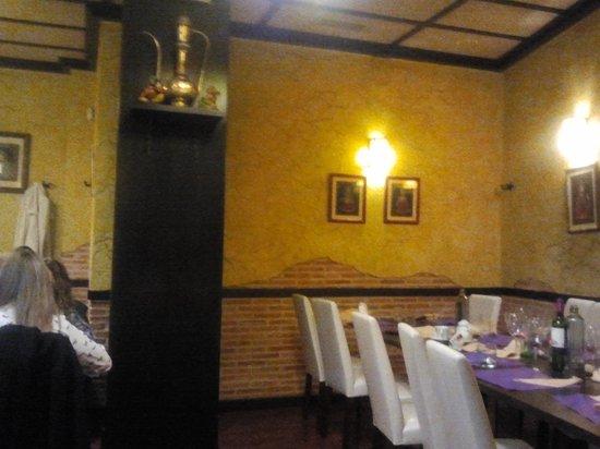 Madras Masala Indian Restaurant: interior 1