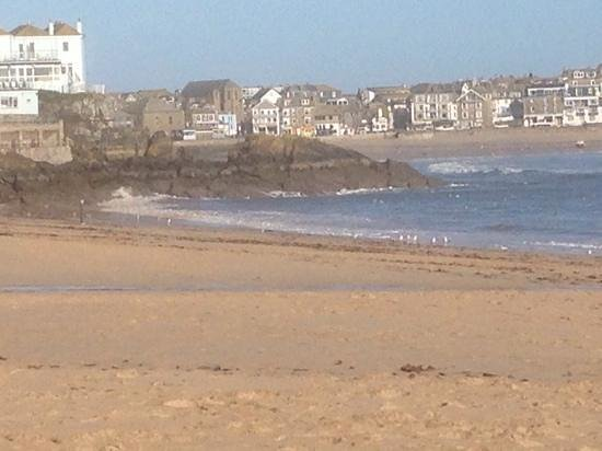 Pedn Olva Hotel : St Ives-view from Porthminister beach