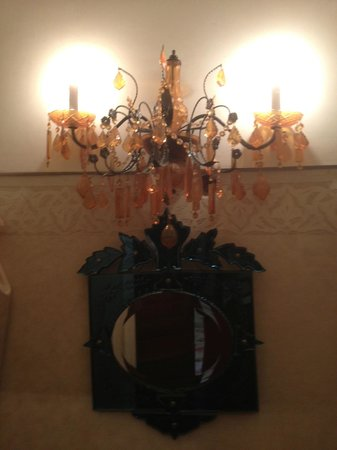 Hotel du Tresor : Badezimmer