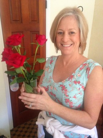 The Eagle Inn: Roses were ready and waiting in the room