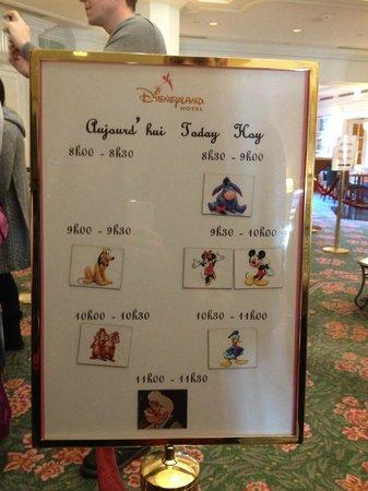Disneyland Hotel : Personnages très disponibles : le rêve pour petits et grands