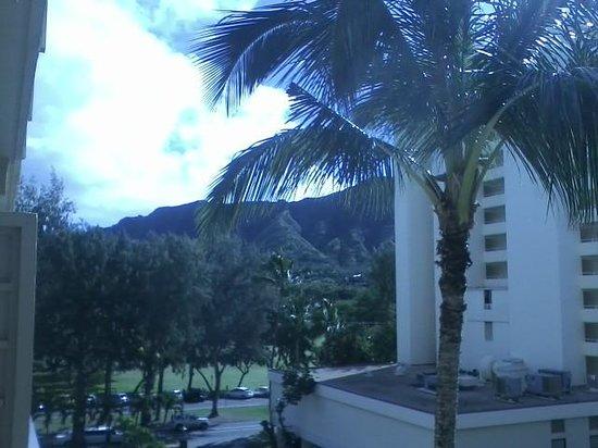 The New Otani Kaimana Beach Hotel : Diamond Head view