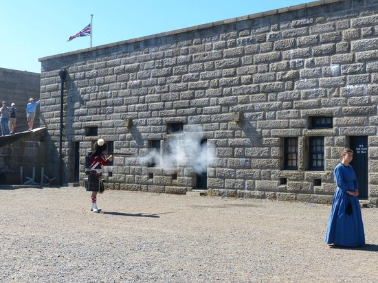 Halifax Citadel National Historic Site of Canada: Musket Demonstration