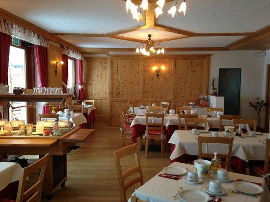 Hotel Vallee Blanche : Sala colazione 2