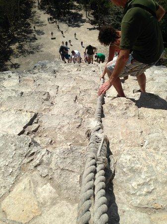 Ruinas de Coba: Going down...