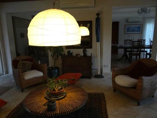 Villa Retreat Cyprus: Гостиная зона